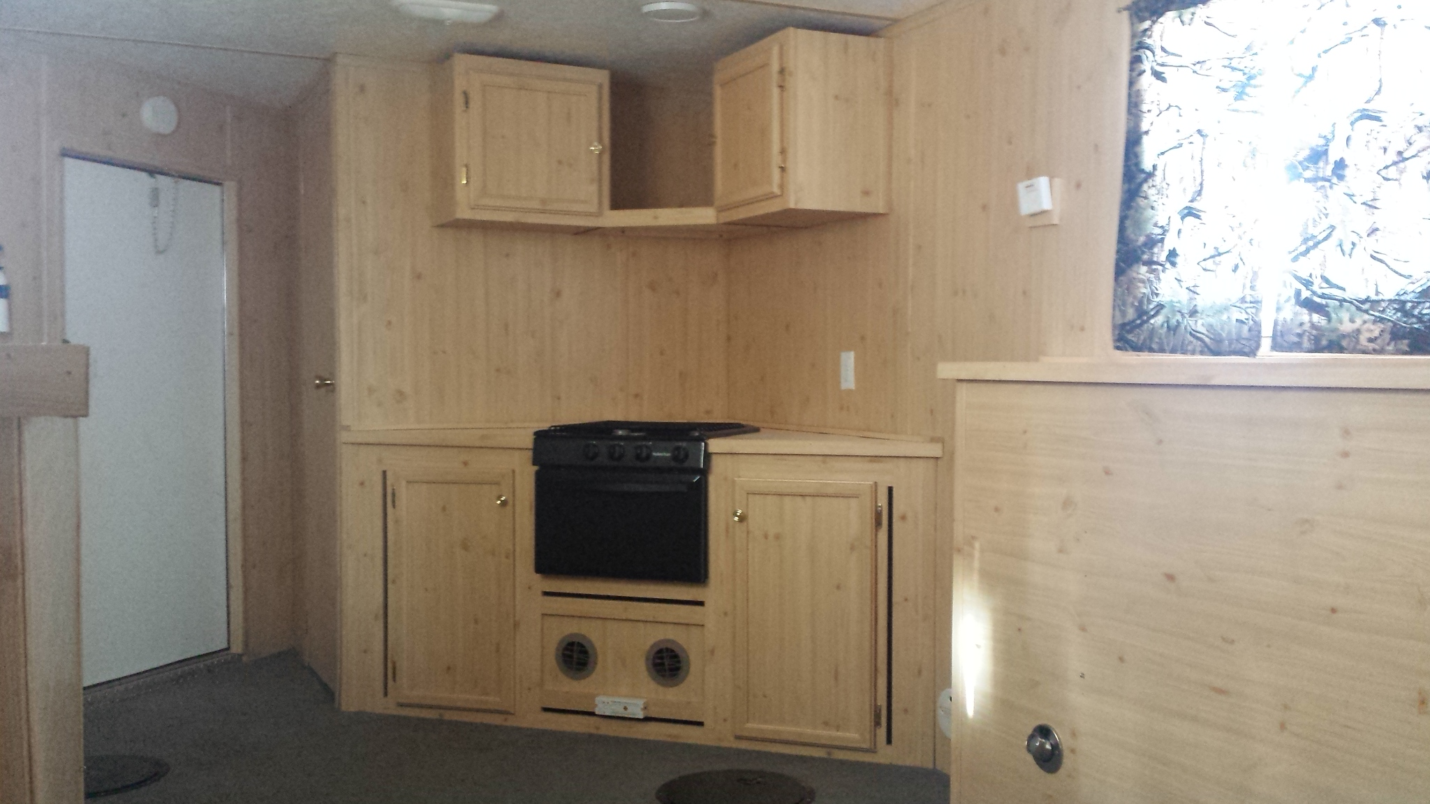 used ice castle fish house for sale- product spotlight - smokey